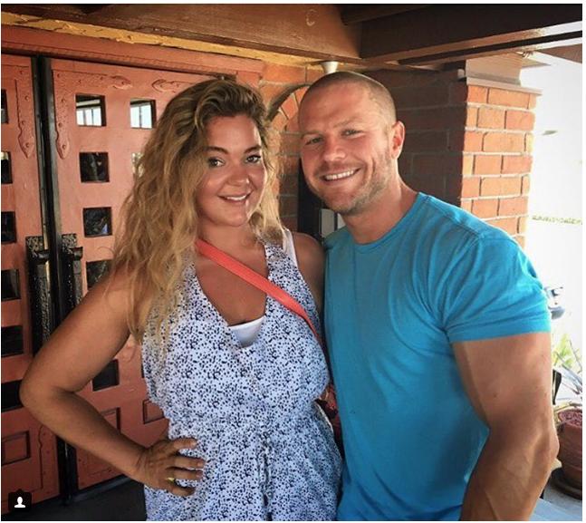 Justine con su entrenador personal Jonny Straws