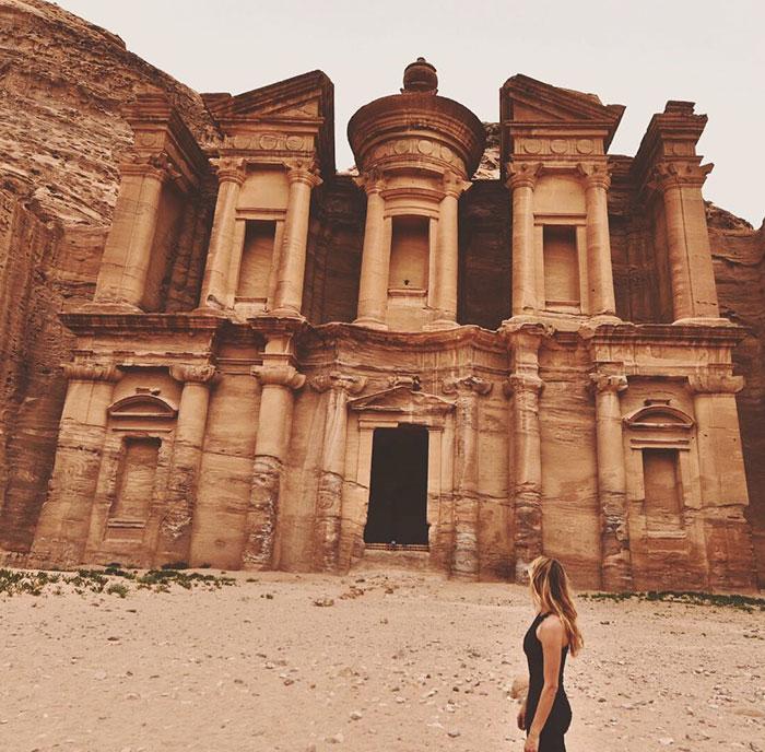 Cassandra de Pecol primera mujer en visitar todos los paises del mundo 9