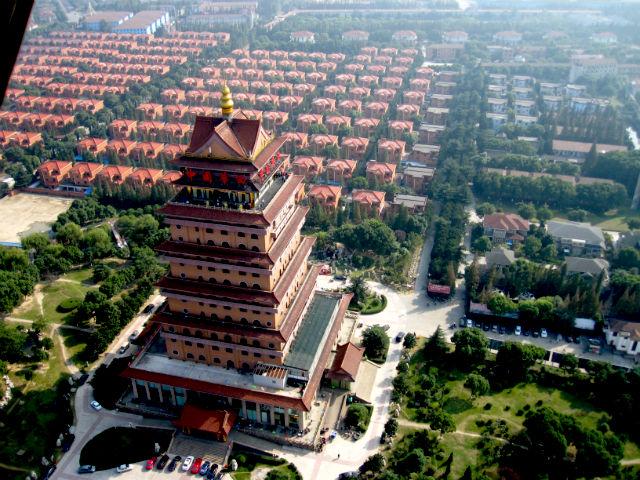 huaxi la ciudad mas rica de china 6