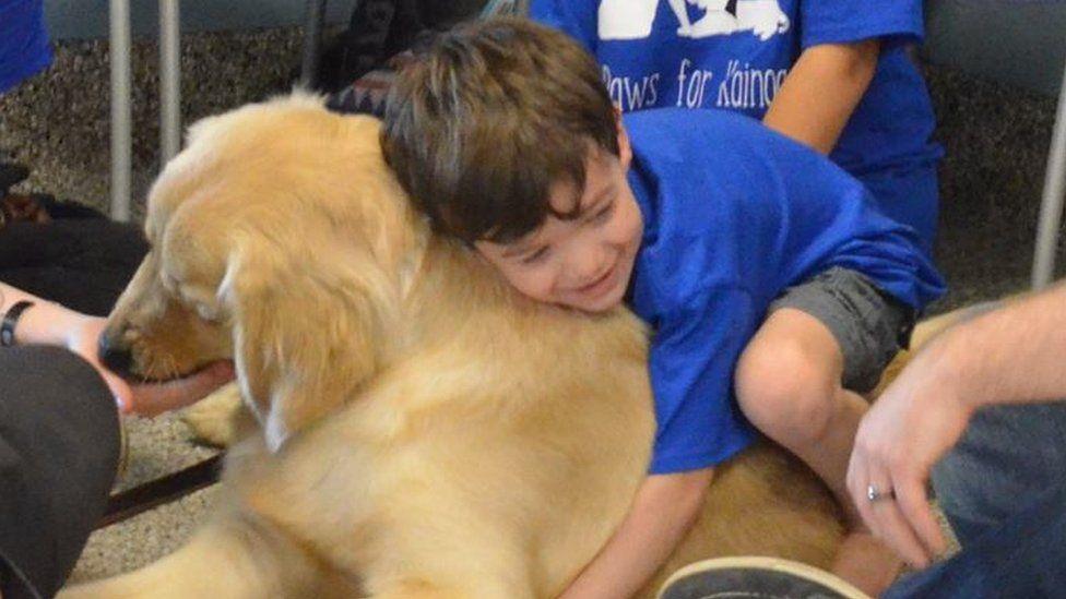 nino-autismo-perro