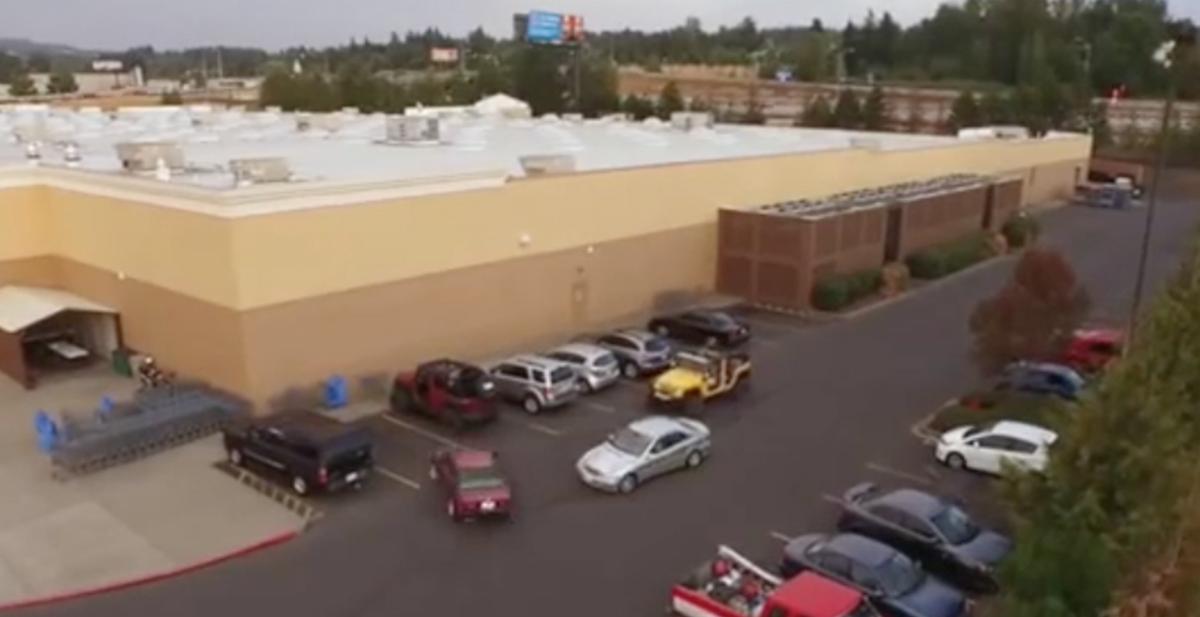 robar aparcamiento a un todoterreno