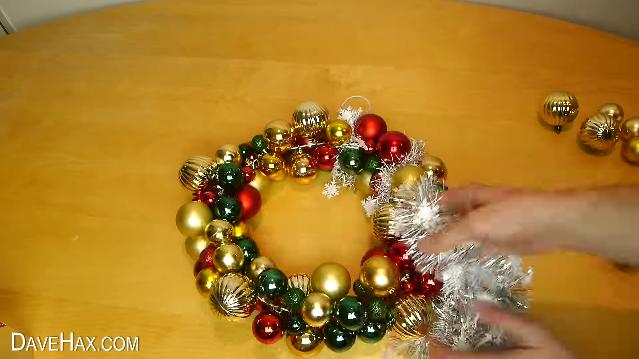 como hacer tu propia guirnalda de navidad 8