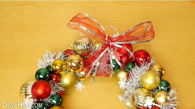 como hacer tu propia guirnalda de navidad 9