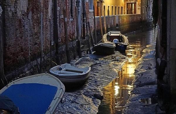 Seguro que has visto Venecia inundada ¿Pero la conoces sin agua? Venecia_7