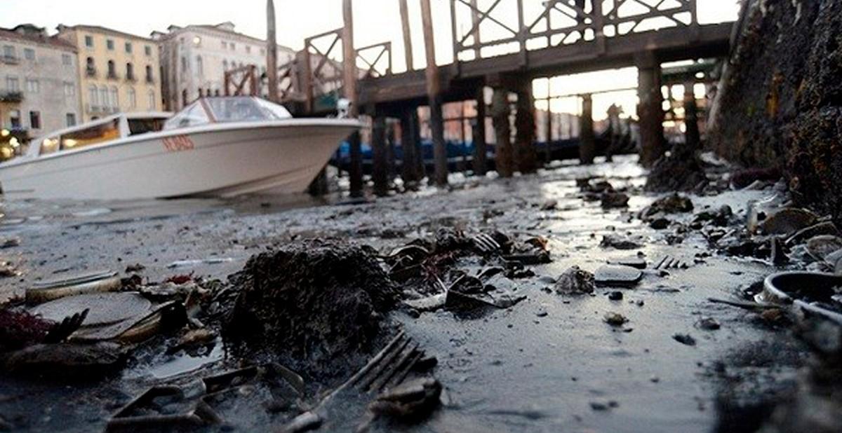 Seguro que has visto Venecia inundada ¿Pero la conoces sin agua? Venecia_portada-1