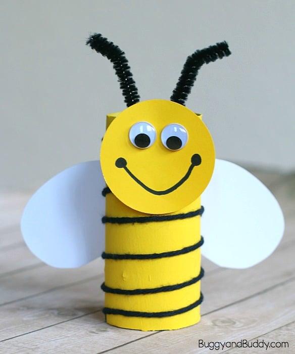 abeja de tubo cartón