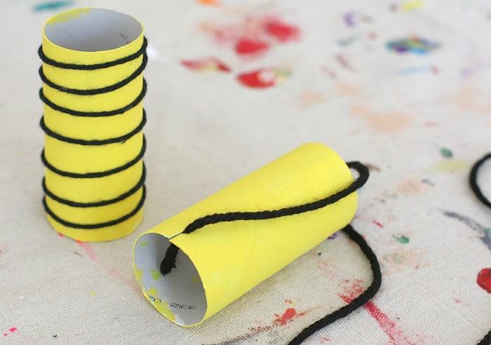 abeja de tubo de cartón