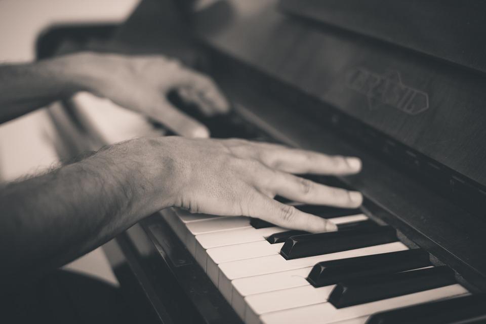tocar instrumento para la memoria