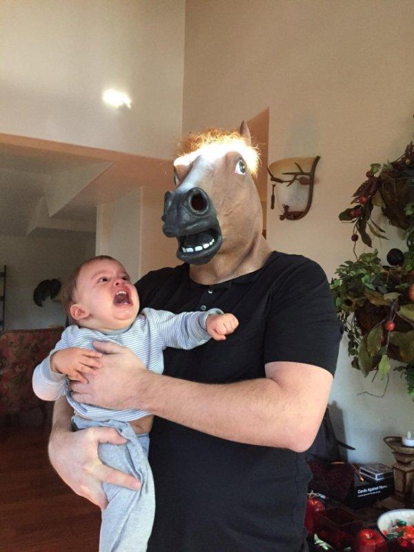 bebé asustado