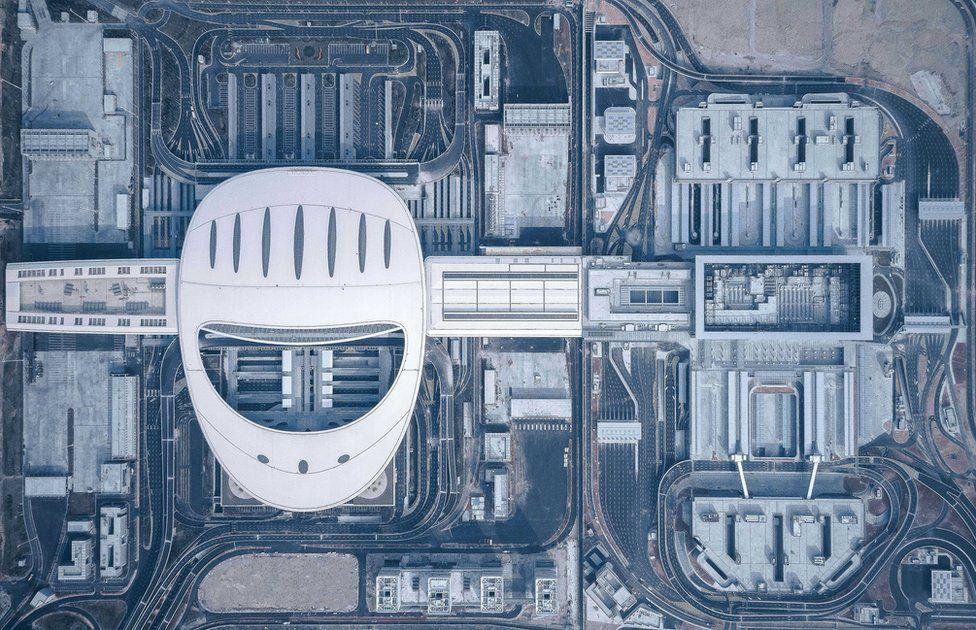 Concurso arquitectura. Carreteras vistas desde el cielo donde se cruzan Hong-Kong y Zhuhai-Macao (Japón)