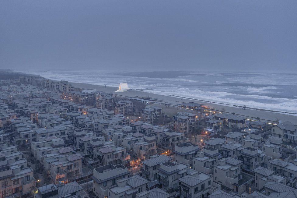 Concurso foto arquitectura. Una urbanización en la orilla del mar (China)