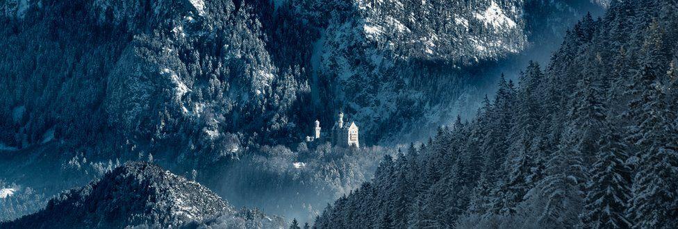 Concurso foto arquitectura. El castillo Neuschwanstein nevado en Baviera (Alemania)