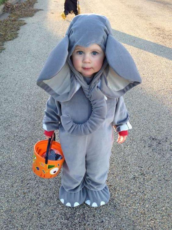 bebé con disfraz de elefante