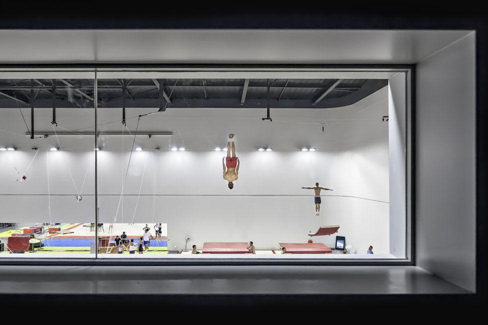 Concurso foto arquitectura. El gimnasio Azur Arena, en Antibes (Francia)