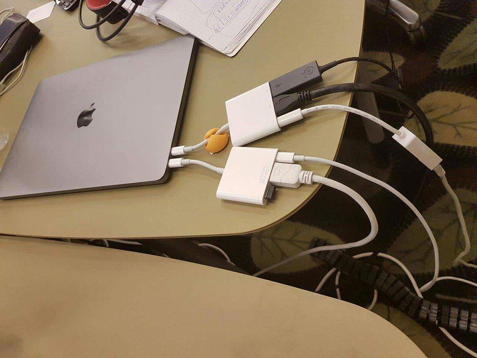 Cables en MacBook