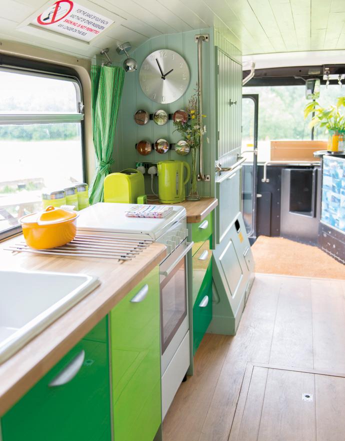 Green-bus-10