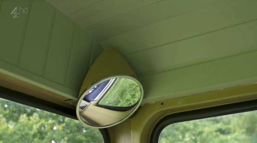 green-bus3