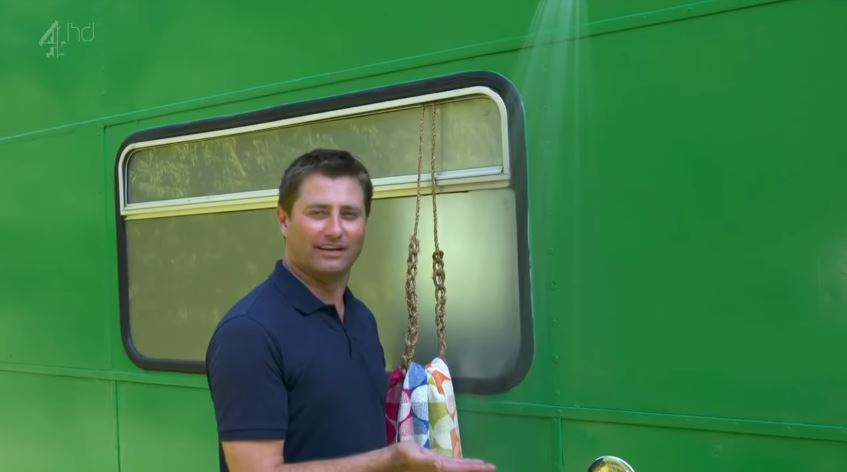 green-bus7