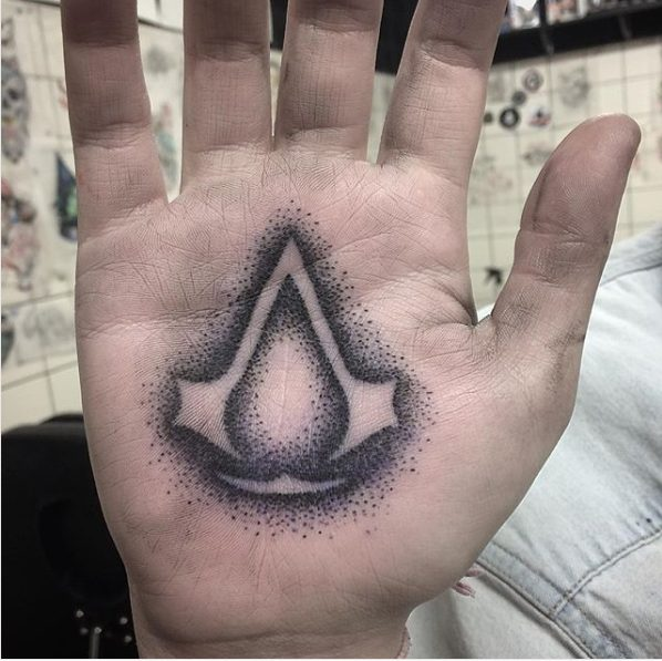 videojuegos tatoo mano