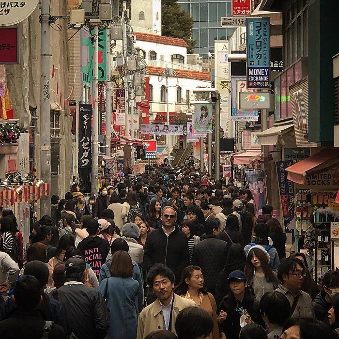 Japón no esta hecho para gente alta 2