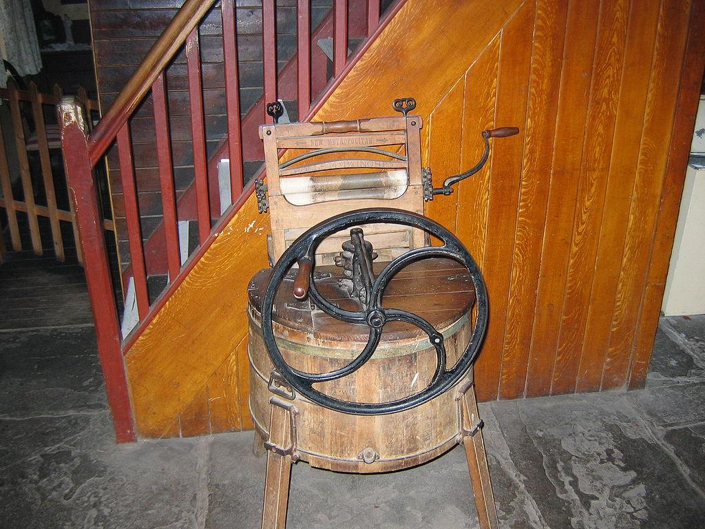 Lavadora del siglo XlX