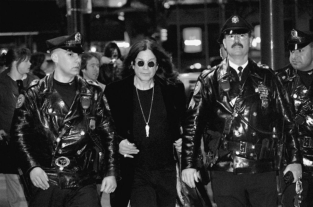 https://es.wikipedia.org/wiki/Ozzy_Osbourne#/media/Archivo:OzzyOsbourne-1.jpg
