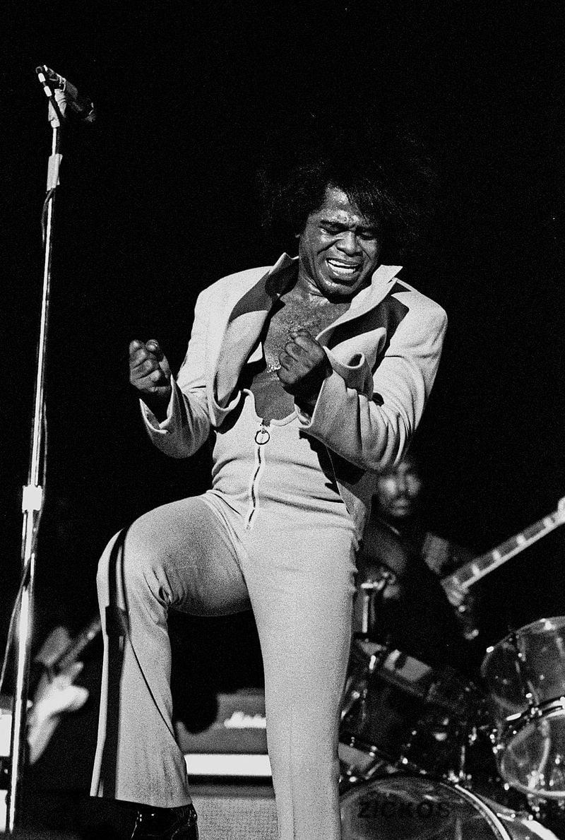 James Brown en estado de gracia en 1973. (Wikipedia)