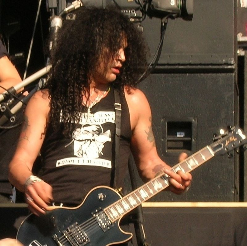 Slash en 2004. (Wikipedia)