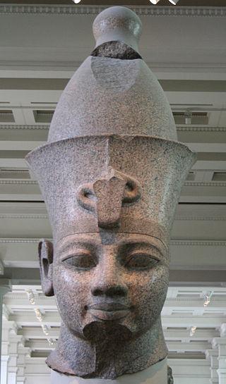 Busto de Amenofis III (Wikipedia)