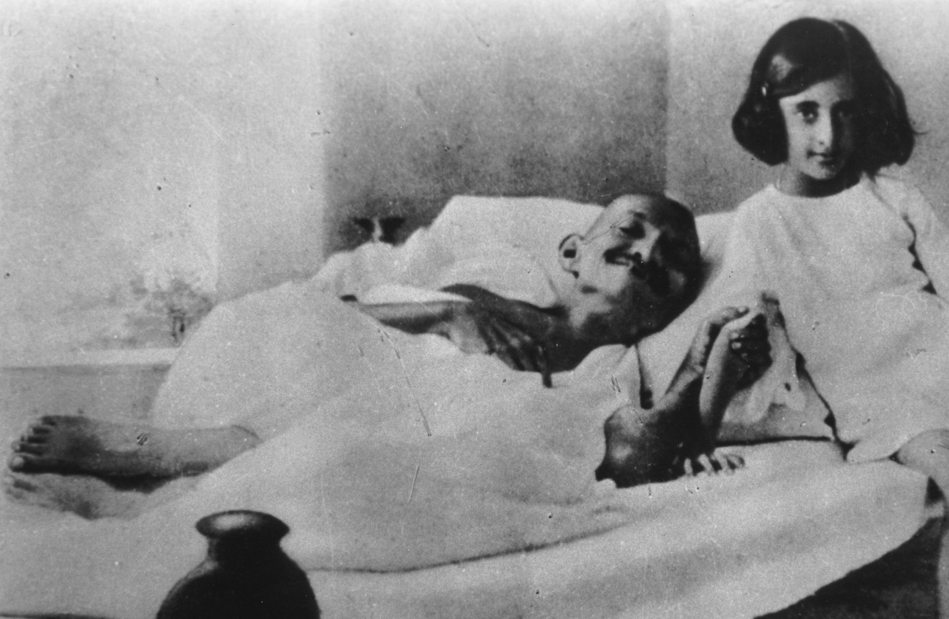 Gandhi_and_Indira