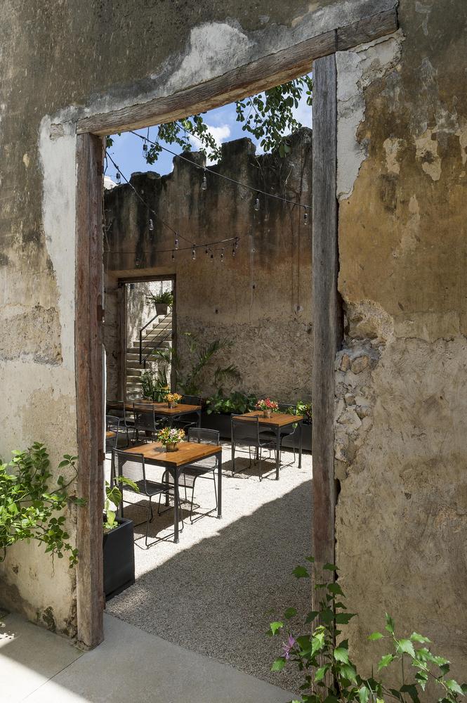 jardín casa colonial reformada