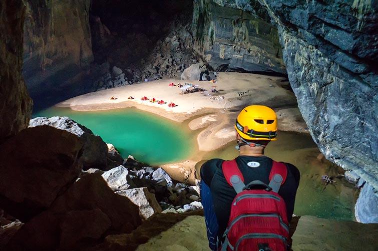 interior de la cueva de hang en