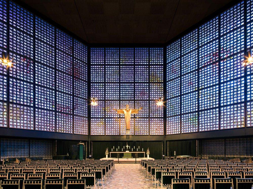 iglesia moderna vidrieras