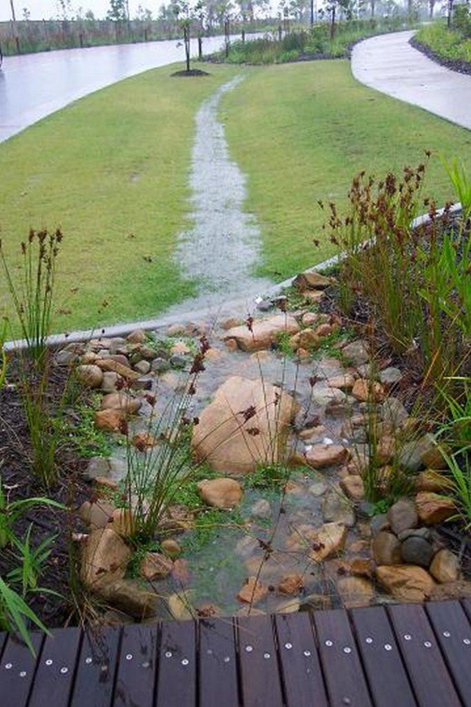 estanque agua piedraa