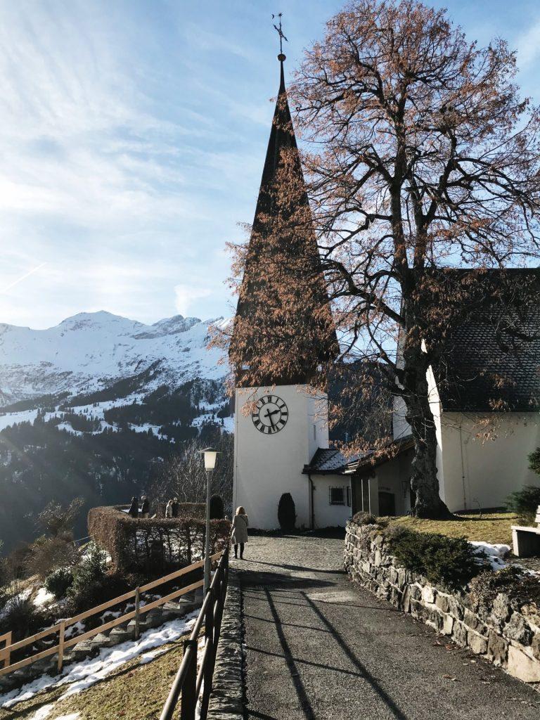 torre reloj alpes suizos