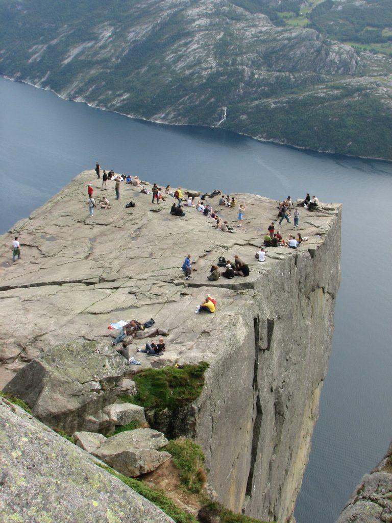 fiordos noruega roca
