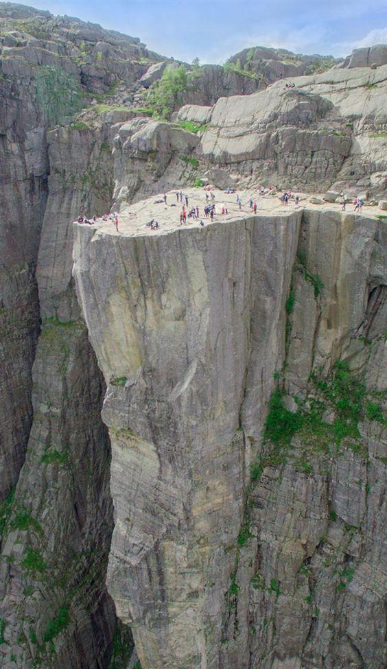 acantilado roca montaña