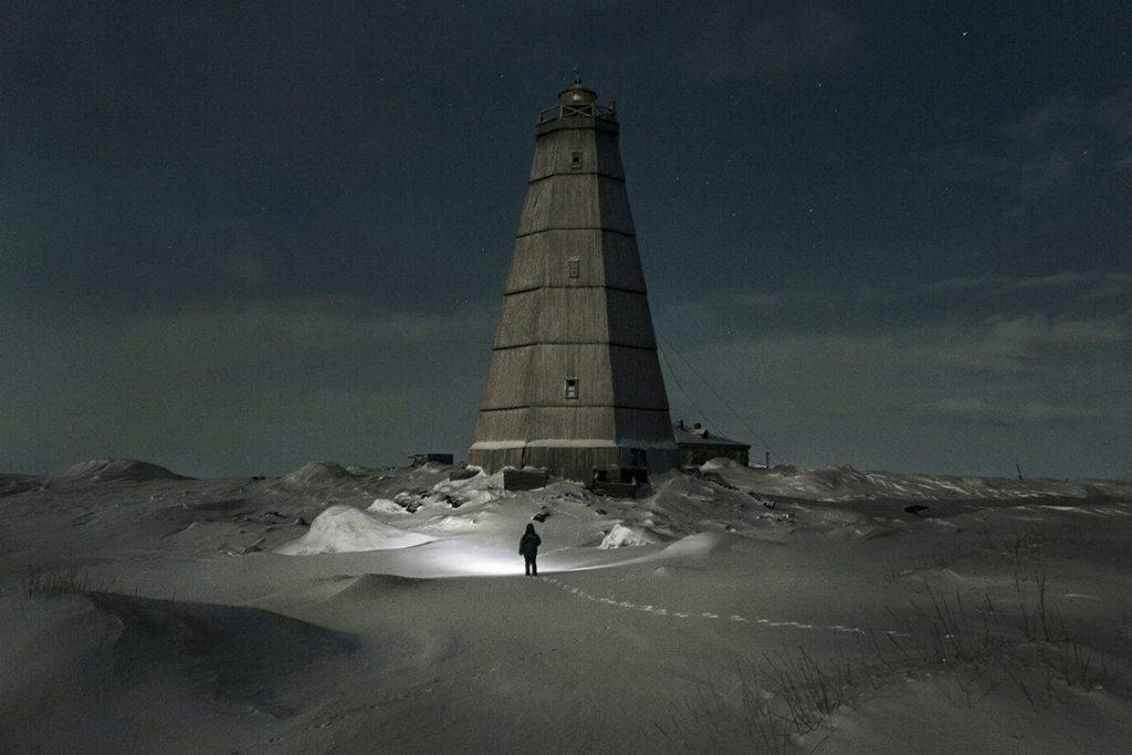 faro ártico rusia nieve