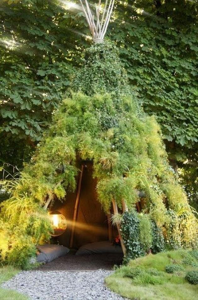 cabaña en forma de tipi para el jardín
