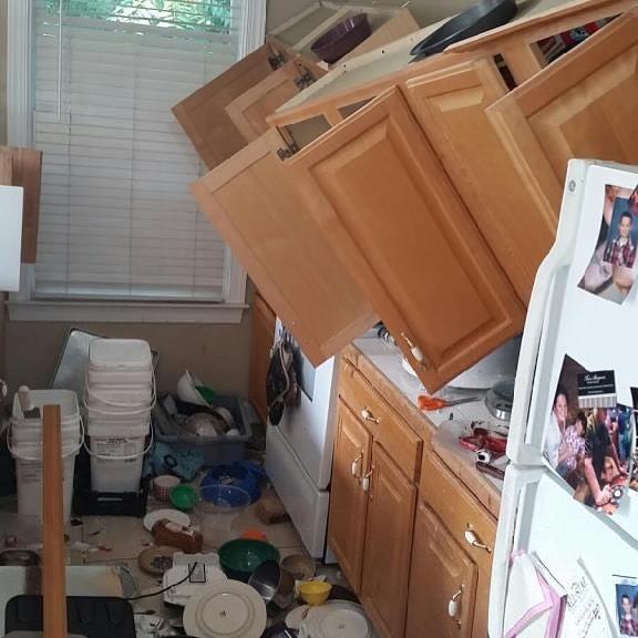 mueble cocina caído
