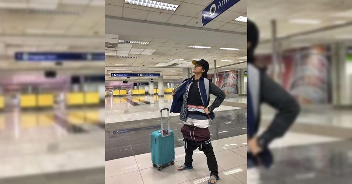 mujer-ropa-aeropuerto