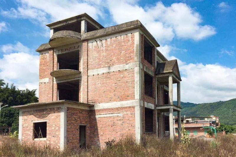mansión abandonada restaurada