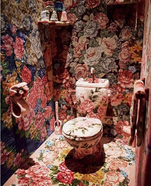baño con flores instagram diseños