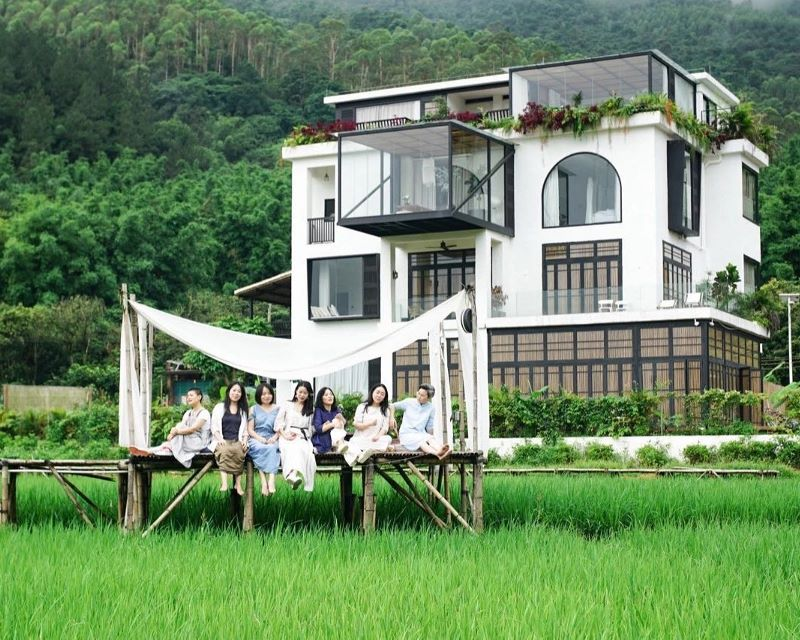restauran una mansión abandonada para convertirla en una casa en la que envejecer