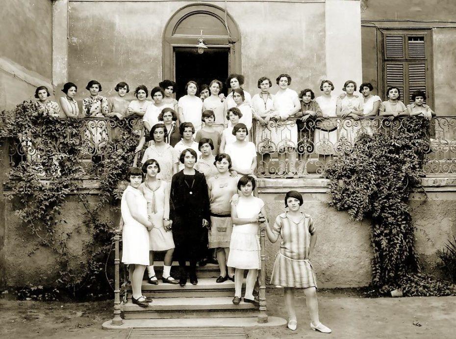orfanato para chicas en el cairo