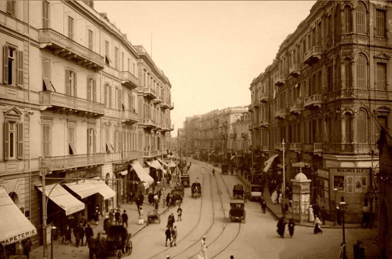 escena callejera de egipto en los años 20