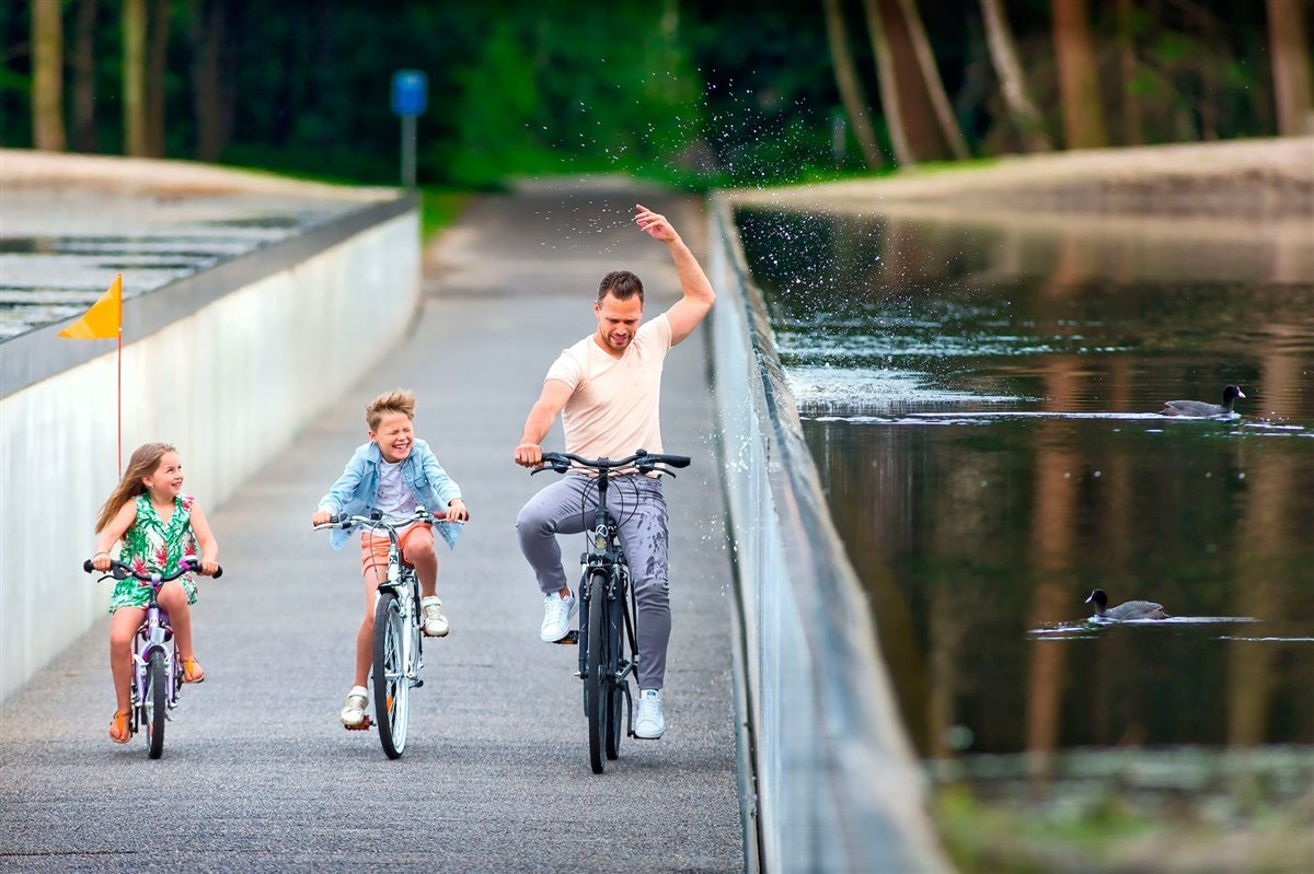 familia-bici-Bokrijk-Genk