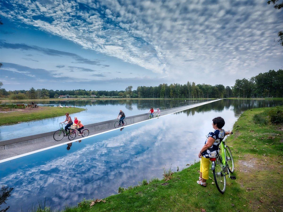 Bokrijk-Genk-en-bicicleta
