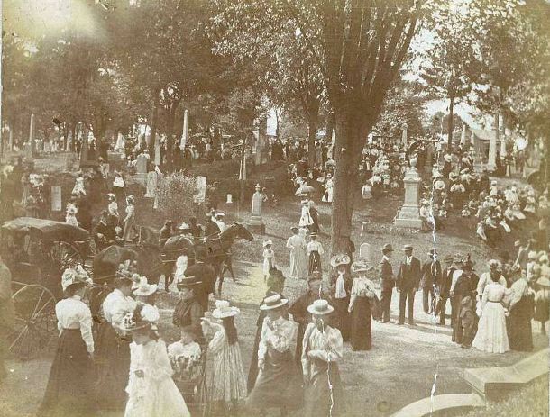 Cementerio-Woodland