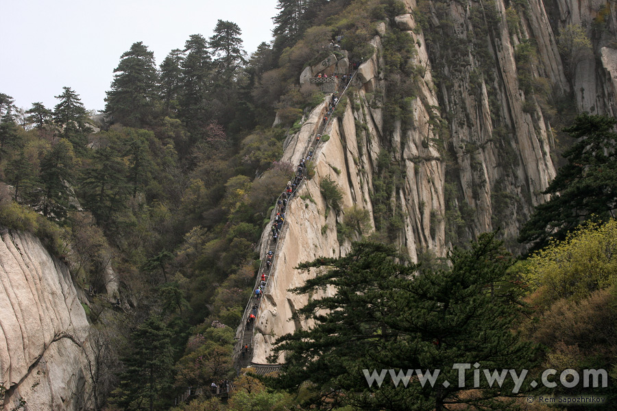 montaña huashan en china senderismo